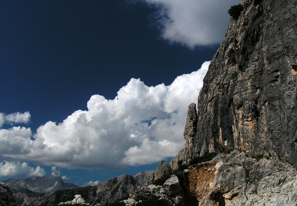 Dolomitas italianas - la via ferrata Michielli Strobel 35.jpg